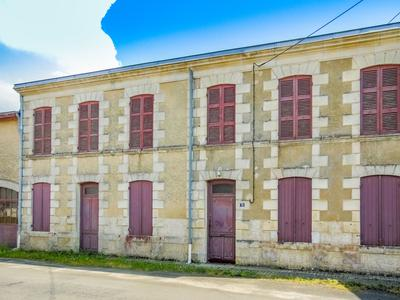 French property, houses and homes for sale in ST CIERS SUR GIRONDE Gironde Aquitaine
