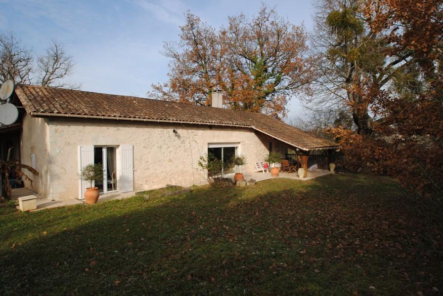 Maison vendre en aquitaine gironde gensac charmante for Acheter maison gironde