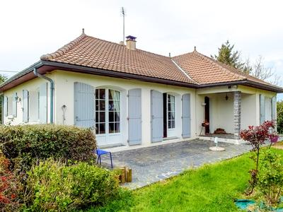 French property, houses and homes for sale in VOULTEGON Deux_Sevres Poitou_Charentes