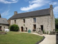 French property for sale in MALGUENAC, Morbihan - €408,000 - photo 2