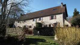 French property for sale in MAGNAT L ETRANGE, Creuse - €210,600 - photo 2