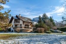 French ski chalets, properties in Annecy, La Clusaz, Massif des Aravis