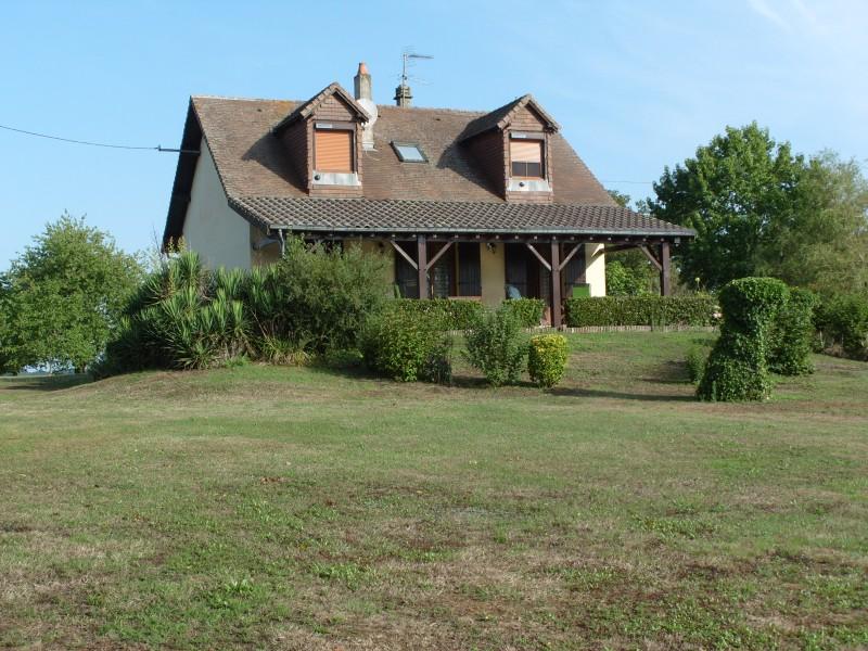Maison vendre en aquitaine dordogne st paul la roche maison de 4 chambres des vues avant et - Une maison un jardin saez saint paul ...