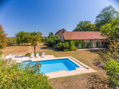 Magnificent country house, exuding French charm and sophistication. Close to Sarlat the uncrowned capital of the Dordogne.