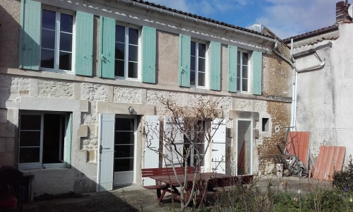 French property, houses and homes for sale in MORTAGNE SUR GIRONDE Charente_Maritime Poitou_Charentes