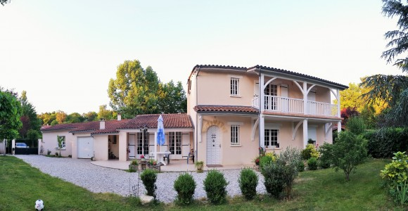 French property, houses and homes for sale in CHAMPCEVINEL Dordogne Aquitaine