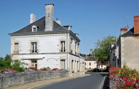 Maison A Vendre En Centre Indre Chatillon Sur Indre Maison Bourgeoise Pres Du Centre Ville De Chatillon Sur Indre Dl