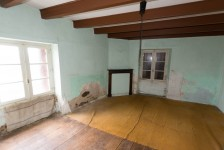French property for sale in ASNIERES SUR BLOUR, Vienne - €51,000 - photo 4