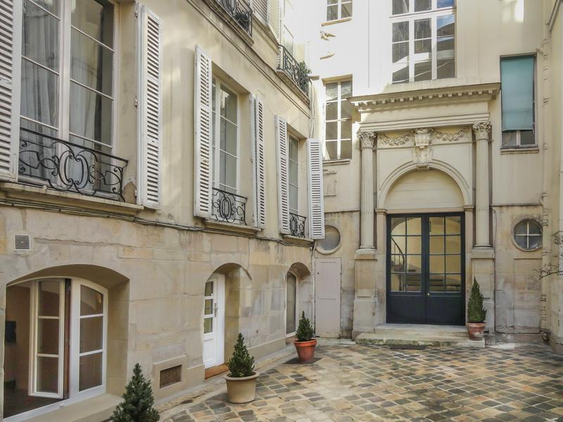 Apartment for sale in paris vi paris prestigious for Acheter maison paris 16