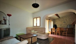 French property for sale in VINGRAU, Pyrenees Orientales - €189,000 - photo 3