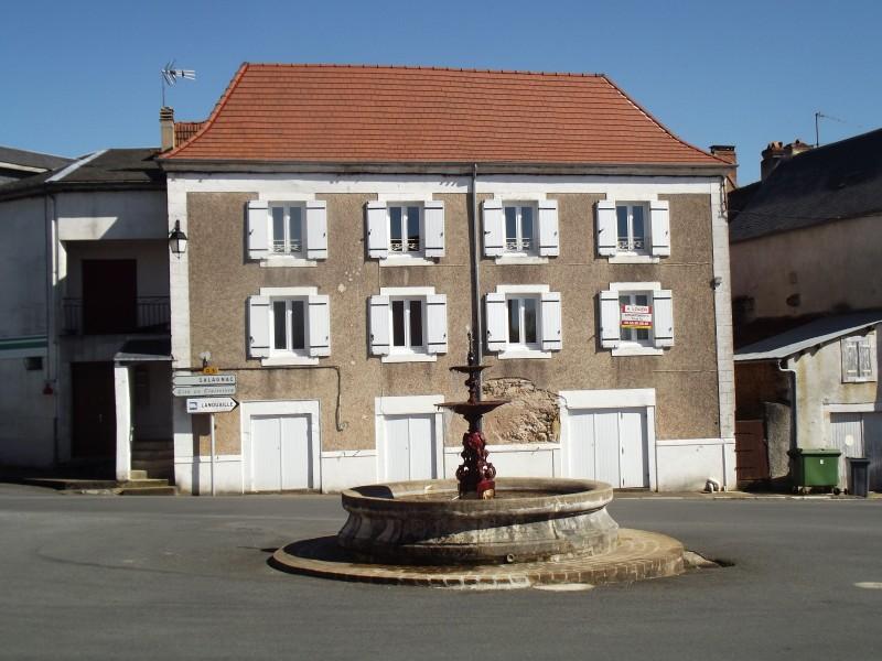 Appartement 10 pièces à vendre à GENIS (24160) -  Dordogne