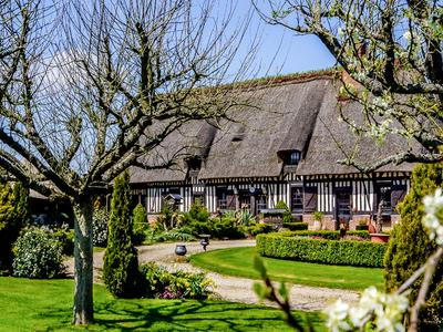 housein BOURGTHEROULDE INFREVILLE