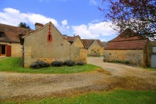 French property for sale in MANAURIE, Dordogne - €278,200 - photo 2