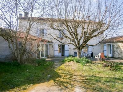 maison à vendre à AUBETERRE SUR DRONNE, Charente, Poitou_Charentes, avec Leggett Immobilier