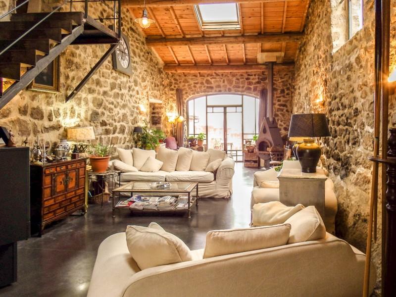 maison vendre en rhone alpes ardeche st pierreville magnifique et luxueuse maison avec une. Black Bedroom Furniture Sets. Home Design Ideas