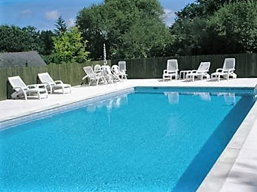 Commercial For Sale In PLOERDUT   Morbihan   Beautiful 12 Bedroom Group Of Holiday  Homes With Large Heated Swimming Pool. France REF: 64491SSM56 | [13363]