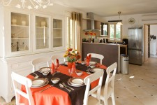French property for sale in SAINT SATURNIN LES APT, Vaucluse - €609,000 - photo 6