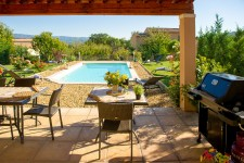 French property for sale in SAINT SATURNIN LES APT, Vaucluse - €609,000 - photo 3