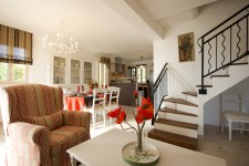 French property for sale in SAINT SATURNIN LES APT, Vaucluse - €609,000 - photo 5