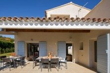French property for sale in SAINT SATURNIN LES APT, Vaucluse - €508,800 - photo 2