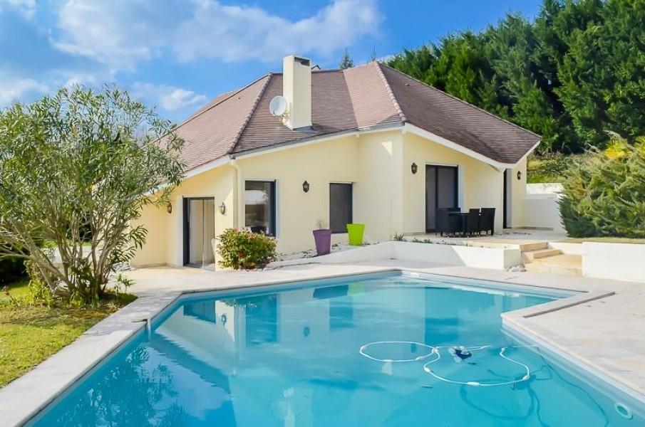 Maison vendre en aquitaine pyrenees atlantiques for Maison moderne 250 000 euros