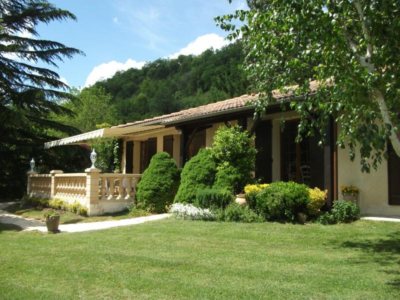maison vendre en midi pyrenees tarn et garonne montastruc unique deux maisons vendre. Black Bedroom Furniture Sets. Home Design Ideas