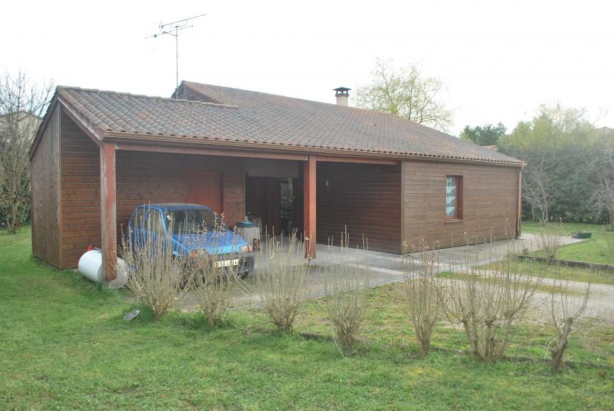 Maison Bois A Vendre - Maisonà vendre en Poitou Charentes Charente DIGNAC Maison en bois avec trois chambres dans un