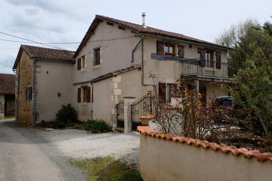Maison à vendre en Poitou Charentes - Charente VENTOUSE Charmante ...