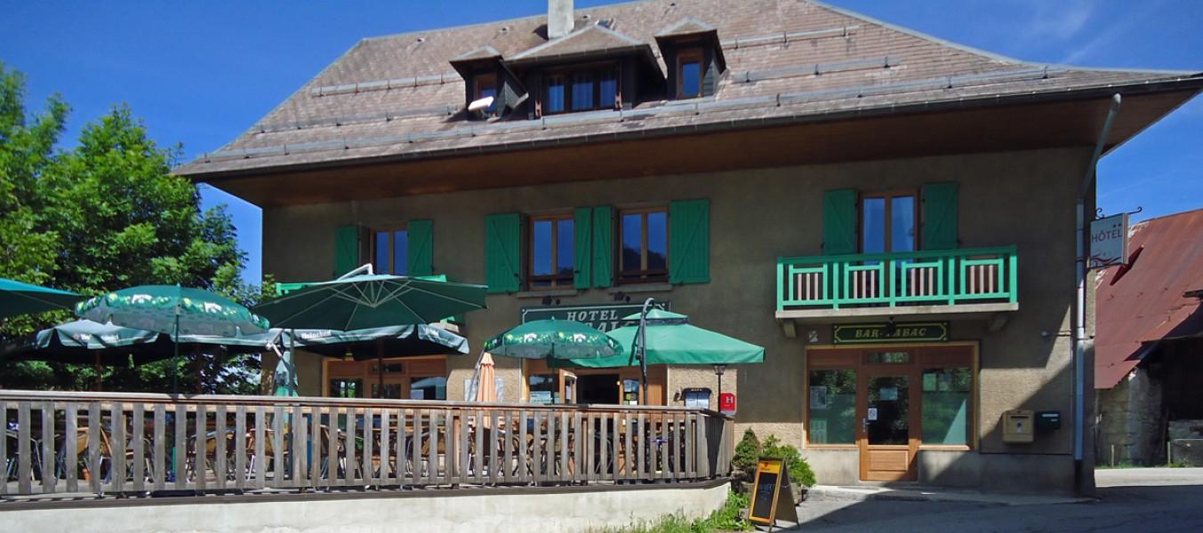 Commerce vendre en rhone alpes savoie annecy hotel bar for Acheter une maison en guadeloupe