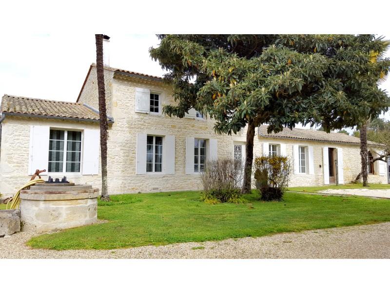 Maisonà vendre en Aquitaine Gironde QUEYRAC Tr u00e8s belle maison de pierre, enti u00e8rement rénovée  # Acheter Maison En Bois Avec Terrain