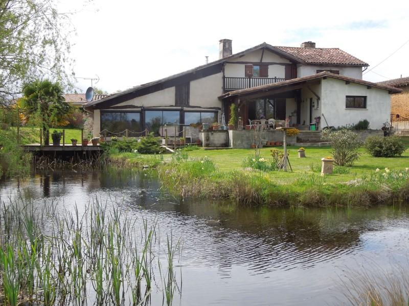 Maison vendre en midi pyrenees gers ayzieu spacieuse for Acheter maison gers