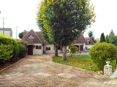 French property, houses and homes for sale in CLERMONT Oise Picardie