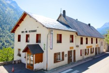 French ski chalets, properties in Le Bourg d'Oisans, Vaujany, Alpe d'Huez Grand Rousses