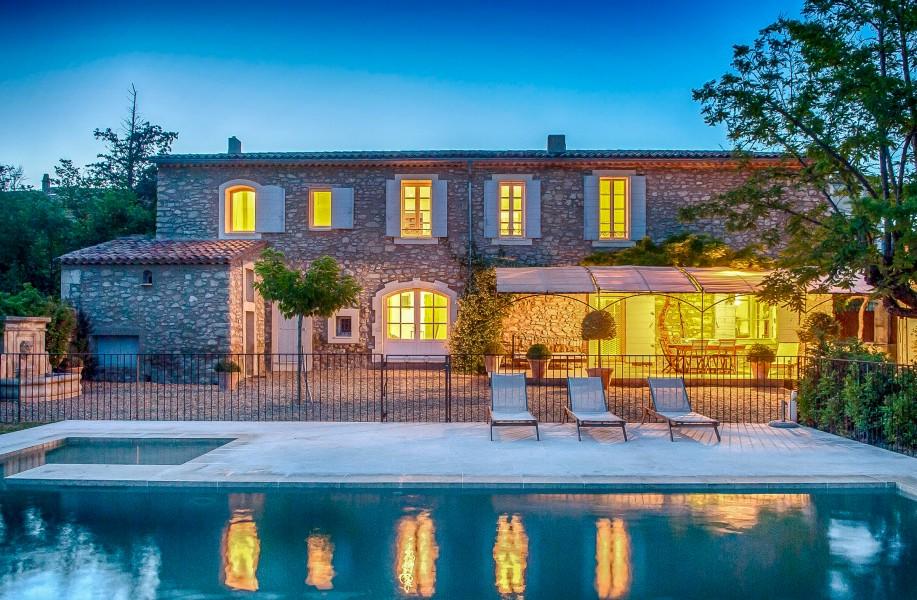maison vendre en paca vaucluse st martin de la brasque belle maison de vignerons en provence. Black Bedroom Furniture Sets. Home Design Ideas
