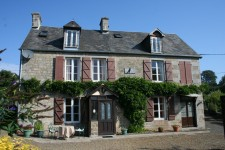 French property for sale in SOURDEVAL, Manche - €139,000 - photo 1