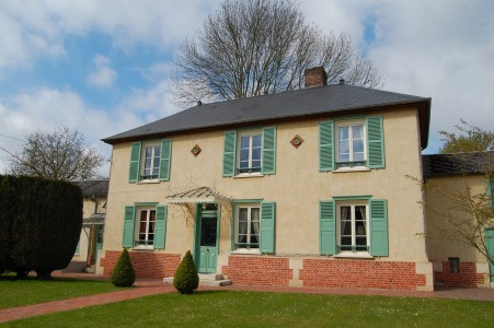 French property, houses and homes for sale in CREVECOEUR LE GRAND Oise Picardie