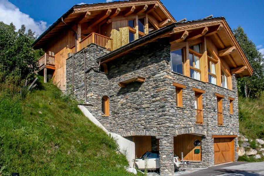 chalet 224 vendre en rhone alpes savoie montvalezan superbe chalet dans un cadre alpin disposant