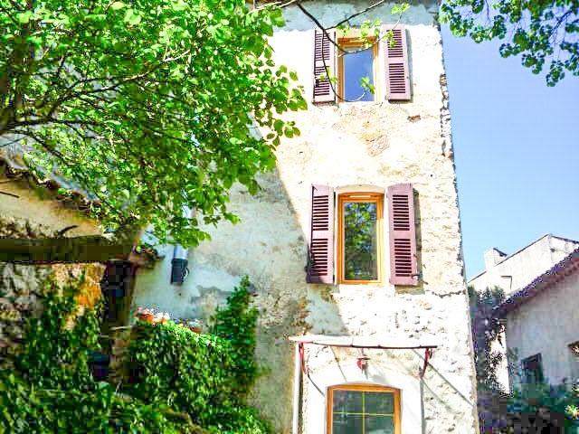 Maison vendre en paca var sillans la cascade maison de for Acheter une maison de village