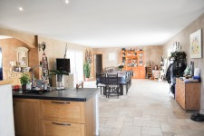 French property for sale in APT, Vaucluse - €795,000 - photo 4