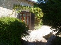 French property for sale in PALLUAUD, Charente - €99,000 - photo 2