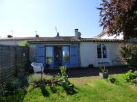 Maison à vendre à  Chenac St Seurin d Uzet en Charente Maritime - photo 2