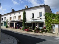 French property for sale in PELLEGRUE, Gironde - €140,000 - photo 3