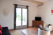 French property for sale in GARGAS, Vaucluse - €363,000 - photo 3