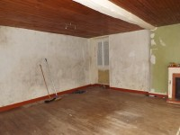 French property for sale in NANCLARS, Charente - €88,000 - photo 4