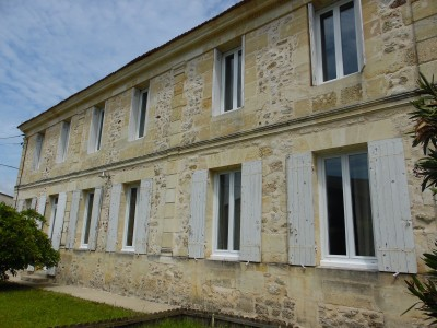 French property, houses and homes for sale in PUGNAC Gironde Aquitaine