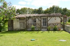 French property for sale in VAUX LAVALETTE, Charente - €236,250 - photo 6