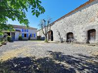 houses and homes for sale inVAUX LAVALETTECharente Poitou_Charentes