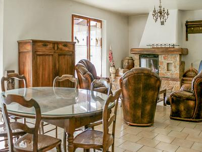 Stone villa with 2 independent apartments situated between Seillans and Fayence, stunning views, garden, pool, terrace