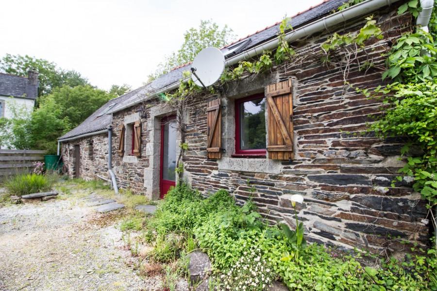 maison vendre en bretagne finistere loqueffret charmante maison en pierre en campagne mais. Black Bedroom Furniture Sets. Home Design Ideas