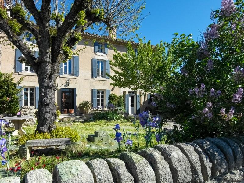 maison vendre en paca vaucluse st pierre de vassols saint pierre de vassols maison de. Black Bedroom Furniture Sets. Home Design Ideas